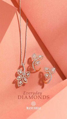 Diamond Necklace Set, Diamond Pendant, Gold Jewellery Design, Diamond Jewellery, Antique Jewellery, Jewellery Earrings, Gold Jewelry Simple, Cheap Jewelry, Mumbai