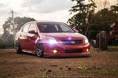 Nice looking stance on this Nissan Sentra.