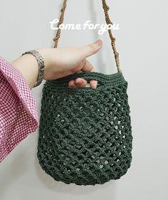 컴포유 - 캐치백 2way bag : 네이버 블로그 My Bags, Purses And Bags, Crochet Fruit, Yarn Bag, Crochet Clutch, Net Bag, Macrame Bag, T Shirt Yarn, Knitted Bags