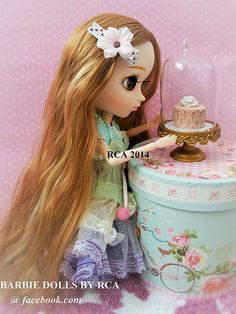 Wow... the cake is so beautiful