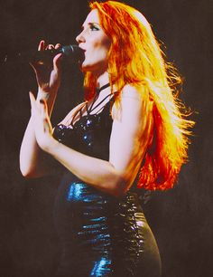 onlyonceimagined:Simone Simons (Epica)