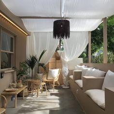 SNS 업로드 각! 지금 핫한 라탄 인테리어 카페 Pastel Decor, Home Desk, Cafe Restaurant, Minimalist Decor, Rooftop, Room Decor, Wellness, Inspire, Curtains