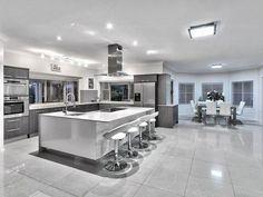 Galley Kitchen Design, New Kitchen Designs, Luxury Kitchen Design, Kitchen Layout, Home Design, Kitchen Corner, Interior Design, Interior Ideas, Modern Design