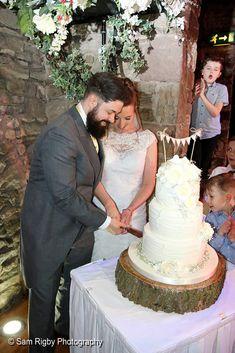 Cutting the cake Hotel Wedding, Mermaid Wedding, Wedding Dresses, Photography, Fashion, Bride Dresses, Moda, Bridal Gowns, Photograph