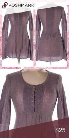 FREE PEOPLE LONG SLEEVE TOP FREE PEOPLE LO G SLEEVE TOP SIZE SM WORN A FEW TIMES Free People Tops