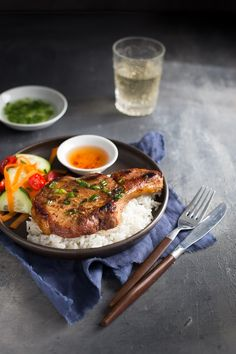 Vietnamese Pork Chops - traditional Vietnamese pork chops with a caramelized glaze of oyster sauce, fish sauce, hoisin sauce, and honey. | tamingofthespoon.com
