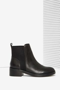 Steve Madden Shrill Leather Chelsea Boot