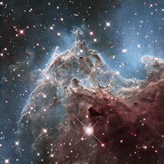 Esta bonita nebulosa es NGC 2174, está a 6.400 años-luz de distancia de la Tierra, en la constelación de Orión, y es un lugar de formación de nuevas estrellas. #astronomia #ciencia
