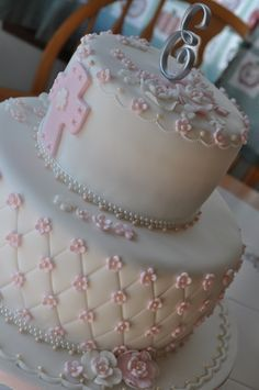 communion cake could also use for baptism /christening Comunion Cakes, First Holy Communion Cake, Confirmation Cakes, Christening Cakes, Religious Cakes, Baby Girl Baptism, Fondant Decorations, Girl Cakes, Fondant Cakes
