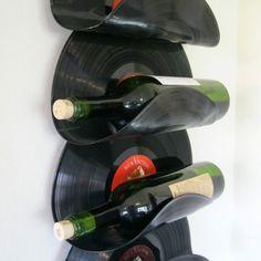 porta vino con i dischi in vinile