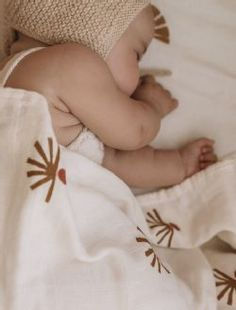 Muslin Blankets, Soft Blankets, Conscious Parenting, Baby Skin Care, Baby Co, Print Packaging, Cotton Bag, Maternity Fashion, Organic Cotton