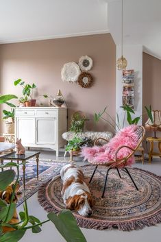 Room Ideas Bedroom, Pink Living Room Walls, Eclectic Interior, Bohemian Living Rooms, Home Decor, Living Room Interior, Interior Design Living Room, Ballard Designs Living Room, Interior Design Bedroom