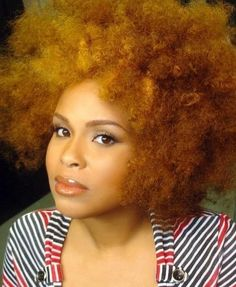 Im loving the blend of colors. What you think, color hot  or color not ? #naturalcurls #naturalhair #curlycolor