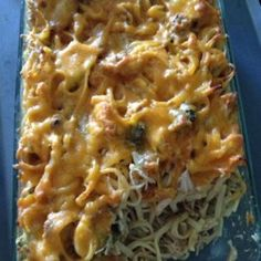 Chicken Tetrazzini for a Crowd Recipe - A few conveniences make it so easy to prepare this popular chicken and pasta dish with creamy mushroom-Cheddar cheese sauce. Cooking For A Crowd, Food For A Crowd, Meals For A Crowd, Chicken Flavors, Chicken Recipes, Chicken Meals, Rotisserie Chicken, Chicken Tetrazzini Recipes, Chicken Pasta Bake