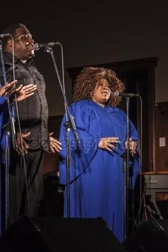 Gospel singers in concert – Stock Editorial Photo © carlotoffolo #153677272