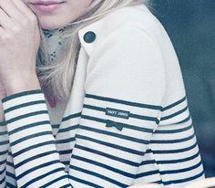 Saint James x Claudie Pierlot Plus Mode Bcbg, Estilo Navy, Sailor Shirt, Breton Stripes, Nautical Stripes, Sailor Fashion, Inspiration Mode, Perfect Wardrobe, Nautical Fashion