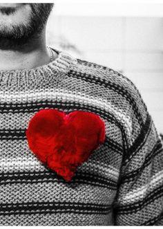 Kit Cœur pompon Saint Valentin, Bergère de France  Kits, broderie & tricot  Achat en ligne Crochet, Diy, Pom Poms, Knitting Yarn, Heart Shapes, Net Shopping, Creative Crafts, Embroidery, Bricolage