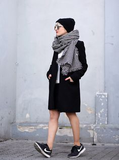 Meet the Top 10 Scarf Bloggers of December 2015