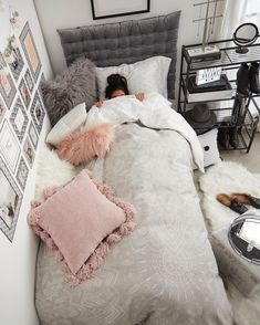 39 Ideas Bedroom Colors For Teens Dream Rooms Bedspreads Room Ideas Bedroom, Small Room Bedroom, Bedroom Themes, Bedroom Bed, Bedroom Colors, Girls Bedroom, Bedroom Decor, Cozy Bedroom, Decor Room