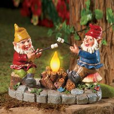 "Solar Campfire Light Garden Yard Gnome Statue Decor Resin 6 3/4""H NEW C4040 #Winston"