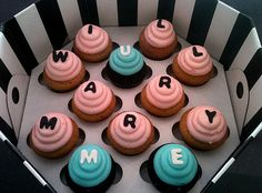 """""""Will you marry me?"""" cupcakes -- for that girl with a sweet tooth and passion for cupcakes."""