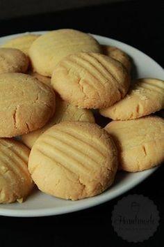 Cupcakes Recipes For Kids Baking 33 Ideas Custard Biscuits, Custard Cookies, Custard Cake, Cupcake Recipes For Kids, Cookie Recipes, Snack Recipes, Dutch Recipes, Sweet Recipes, Baking With Kids