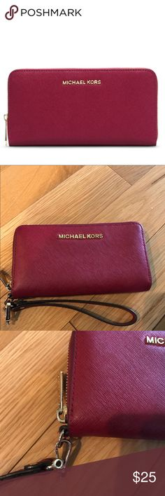 Michael Kors Red Saffiano Wallet Jet Set Wristlet strap is broken, but it has been reattached, please look at pictures carefully. It excellent condition other than the strap. Has lots of pockets inside. Michael Kors Bags Wallets