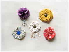 brooches diy, fabric flowers, diy fabric, flower brooch, craft idea, diy craft, diy idea, brooch diy, little flowers