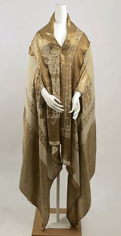 Am I the only one who sees these things and wishes they could have met the person who wore them? Wrap, 1920's