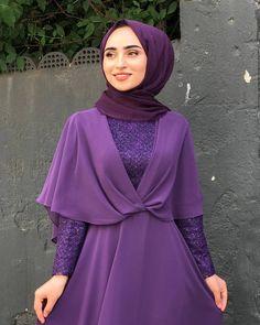 See More – Hijab Fashion 2020 Hijab Evening Dress, Hijab Dress Party, Hijab Style Dress, Mode Abaya, Mode Hijab, Islamic Fashion, Muslim Fashion, Abaya Fashion, Fashion Dresses