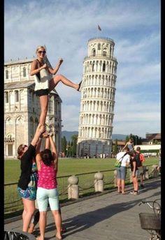 When cheerleaders travel... #cheerleaders #travel #funny