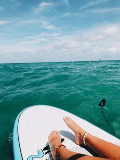 Pin by natalie zacek on beach please ☼ summer vibes, summer pictures, summe Beach Aesthetic, Summer Aesthetic, Summer Pictures, Beach Pictures, Surfing Lifestyle, Surf Workout, Summer Beach, Summer Vibes, Ocean Beach