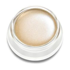 What it is: A nourishing highlighting cream that lights up any complexion.