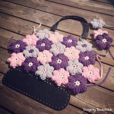 WIP - my latest design ❀ Flower bag by BautaWitch ❀ What do you think?    I'm in love with the puffy flowers and share the flower pattern in my blog! Welcome!  http://bautawitch.se/2014/06/24/diy-virkad-3d-blommapuffy-flower/