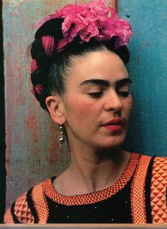 Frida Khalo, the original floral crown bearer