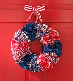 Patriotic Ribbon Wreath from Country Woman magazine Patriotic Wreath, Patriotic Crafts, Patriotic Decorations, July Crafts, Summer Crafts, 4th Of July Wreath, Holiday Crafts, Home Crafts, Summer Diy