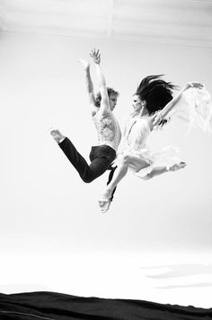 Vladimir Malakhov and Polina Semionova -Photography by Esther Haase. Shall We Dance, Lets Dance, Dance Jumps, Dance Art, Ballet Dance, Polina Semionova, Dramatic Arts, Silver Blonde, Dance Movement