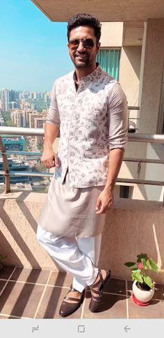 Mens Wedding Wear Indian, Wedding Kurta For Men, Mens Indian Wear, Wedding Dresses Men Indian, Indian Groom Wear, Wedding Dress Men, Indian Men Fashion, Wedding Suits, Engagement Dress For Groom