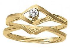Yellow gold solitaire diamond wedding set. Unique.  Overnight 50083-E #seneedhamjewelers #loganutah