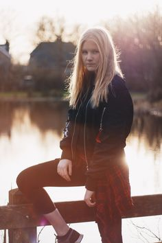 #model #goldenhour #fashion #outfit #sunset