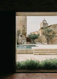 The Peratallada Castle | pool | terrace