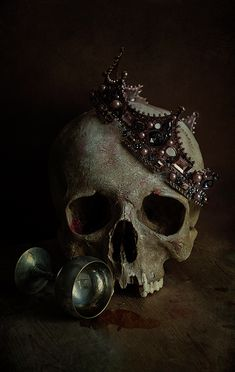 Still life with human skull, and old broken crown and silver chalice Hades Aesthetic, Queen Aesthetic, Gothic Aesthetic, Slytherin Aesthetic, Princess Aesthetic, Book Aesthetic, Character Aesthetic, Aesthetic Pictures, Vanitas