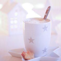 Instagram photo by 11enreich - So, für mich gibt es jetzt einen kleinen Adventskaffee. Habt es fein liebe Instis! ✨Would you care for a cup of coffee?✨