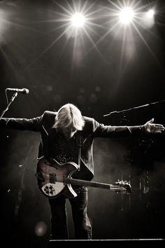 Tom Petty is the mas Travelling Wilburys, Cat Stevens, My Tom, Tom Petty, Rockn Roll, Eddie Vedder, Sebastian Bach, Rock Legends, James Hetfield