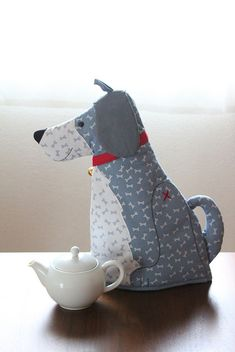 Cute dog tea cozy, but no sewing pattern