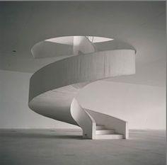 Architecture Modern design Lynn Davis — Niemeyer Brazil 2008 is part of architecture - Best Ideas For Architecture and Modern Design Picture Description Theater, Niteroi, Brazil Oscar Niemeyer Stairs Architecture, Amazing Architecture, Architecture Details, Interior Architecture, Interior Design, Oscar Niemeyer, Modern Design Pictures, Escalier Design, Balustrades