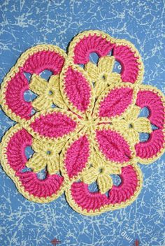 [Free Crochet Pattern] This Starburst Hotpad Pattern Is Amazing