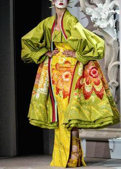 Dior 2000s Fashion, Fashion Art, Fashion Show, Fashion Design, Dior Fashion, Dior Haute Couture, Christian Dior, Modern Kimono, Mode Costume