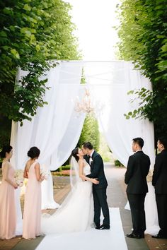 Blush crystal chandelier | Chicago Botanic Garden Wedding | Jenelle Kappe Photography