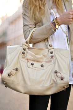 white and classy and lovely #handbag #winter